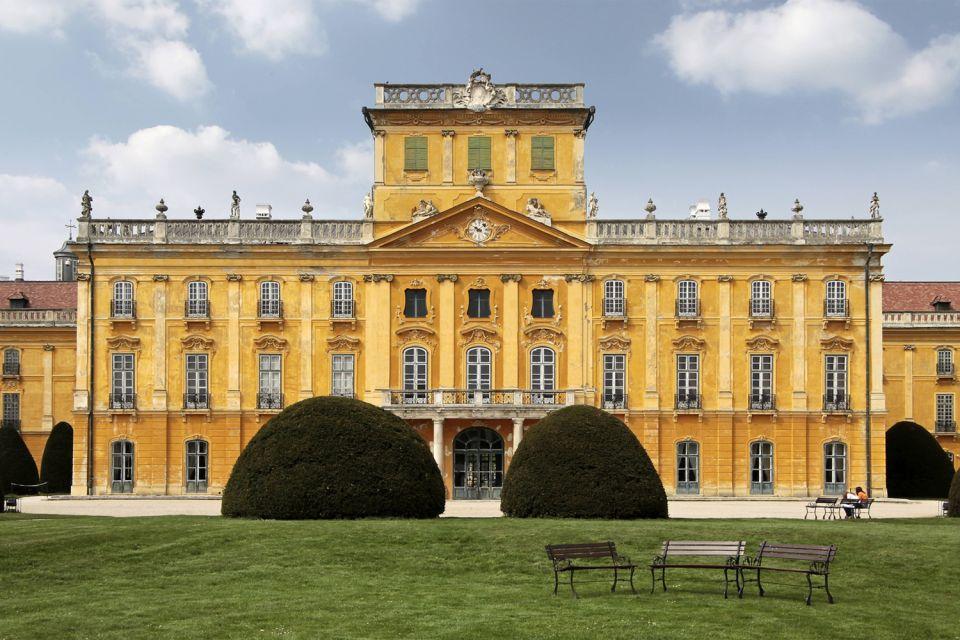 , Il castello di Fertod, I monumenti, Ungheria