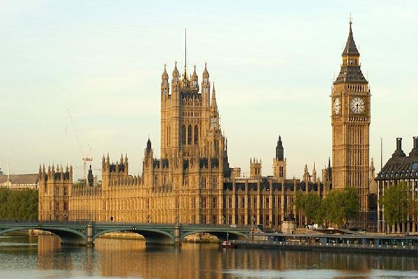 Historical sites along the Thames , Big Ben and the Houses of Parliament, London , United Kingdom