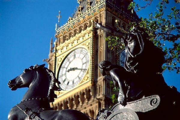 Historical sites along the Thames , Big Ben, London, England , United Kingdom