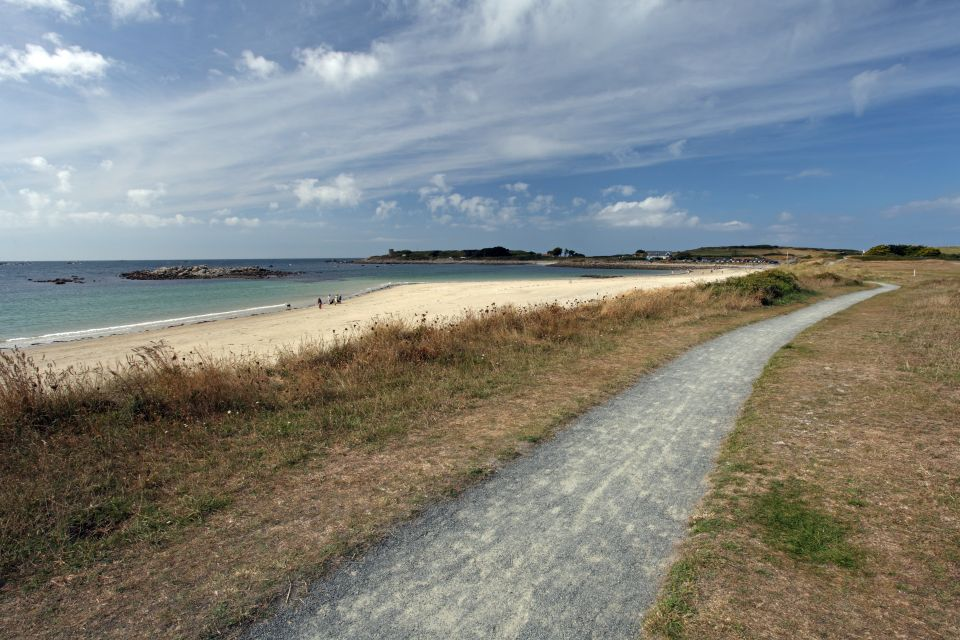 Il Bailliage de Guernesey, Guernsey, Le rive, Isole Normanne