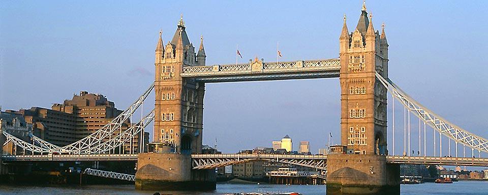 le tower bridge angleterre royaume uni. Black Bedroom Furniture Sets. Home Design Ideas