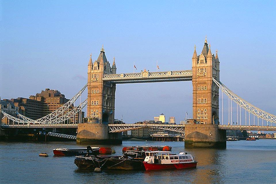 Le Tower Bridge , Tower Bridge au coucher du soleil , Royaume-Uni