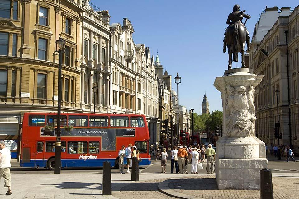 Trafalgar Square , Big Ben, London , Großbritannien