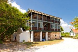 Gran Caimán , El Museo de Pedro Saint-James , Islas Caimán