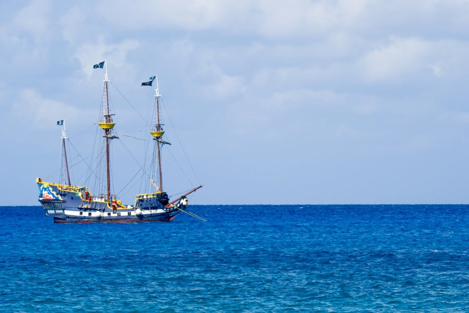 Gran Caimán , El festival Pirates Week , Islas Caimán