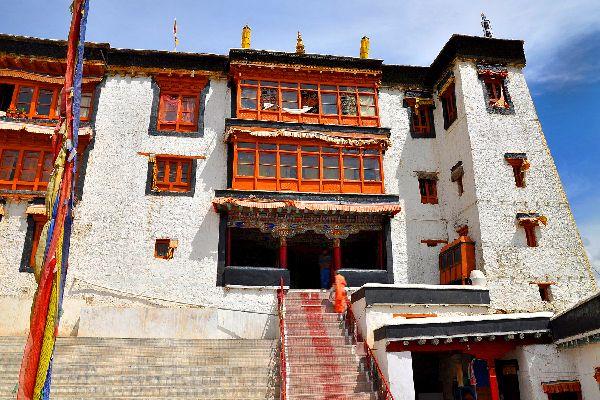El templo Purmandal (Jammu) , India
