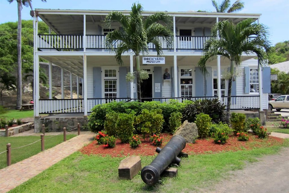 Das Museum von Nelson's Dockyard, Antigua, English Harbour, Die Monumente, Antigua und Barbuda