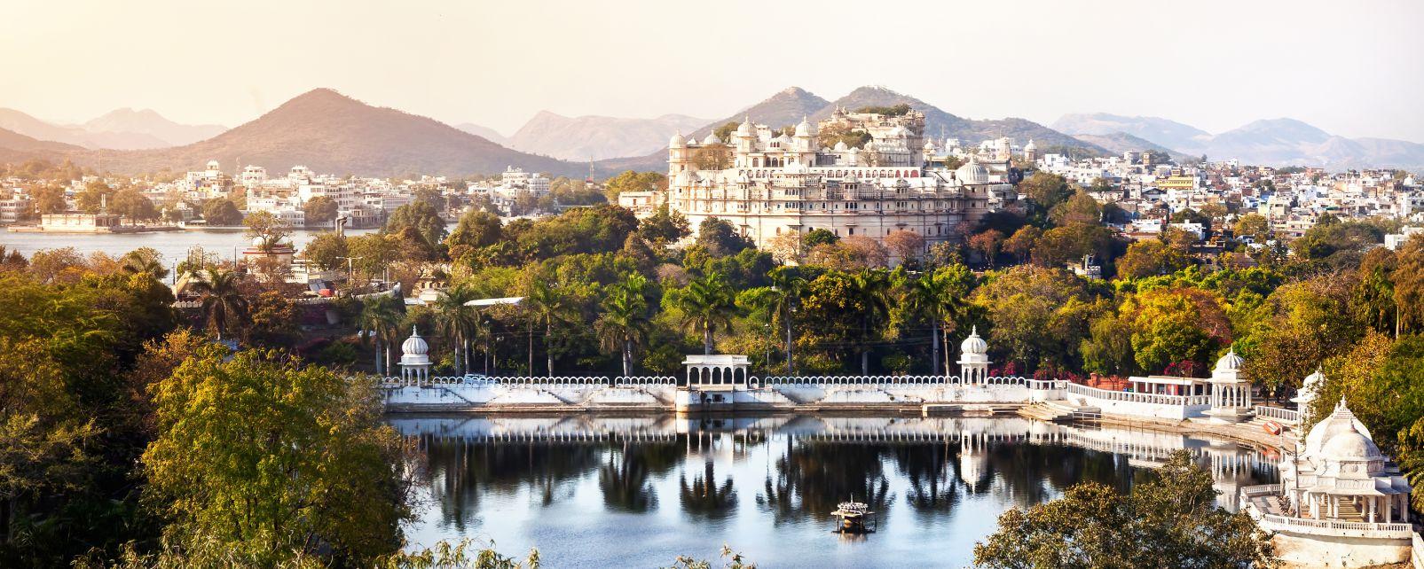 El Palacio de la Ciudad, Udaipur, la India, El Palacio de la Ciudad de Udaipur, Arte y cultura, Rajastán