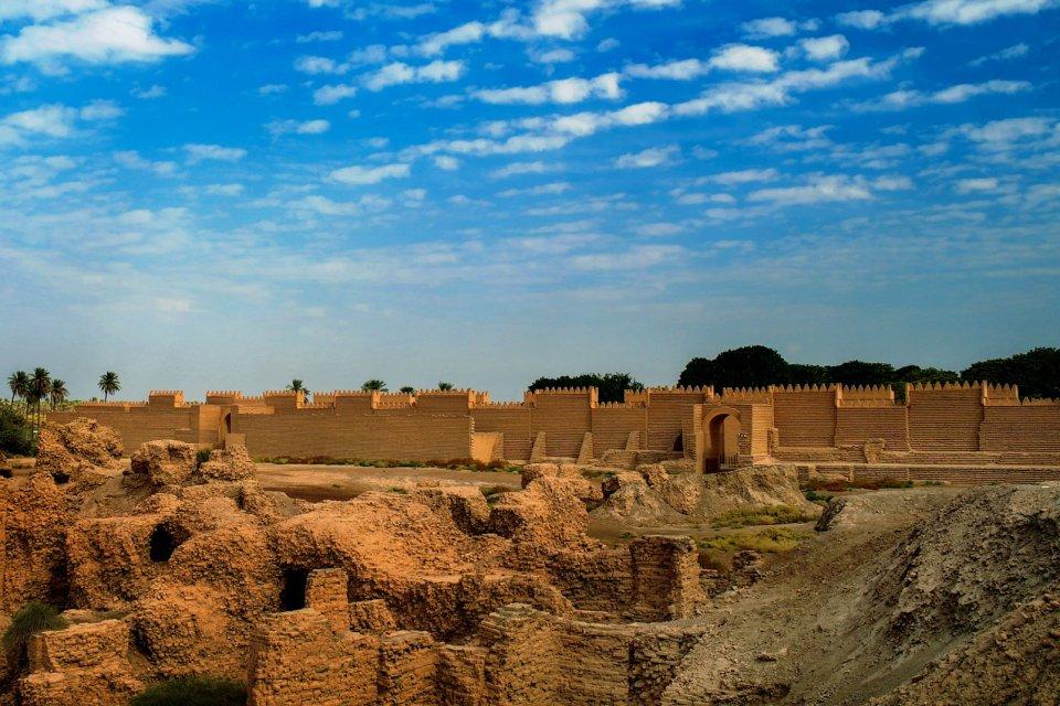 Babilonia , Babilonia, la porta di Dio , Iraq