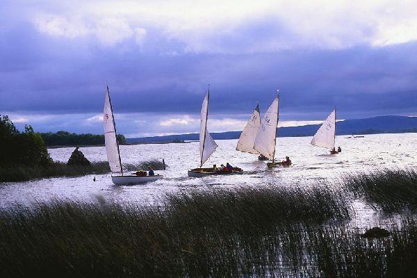 Die Prärien und die in der Landesmitte gelegenen Seen , Die Seen von Zentralirland , Irland