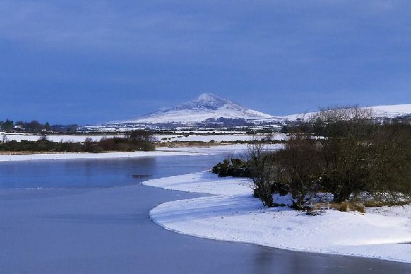 The granitic mountains of Wicklow , Snow-covered scenery , Ireland