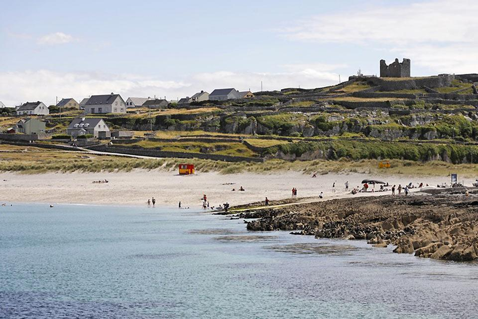 The archipelagos of the Atlantic coast. , A beach on the Aran Islands. , Ireland