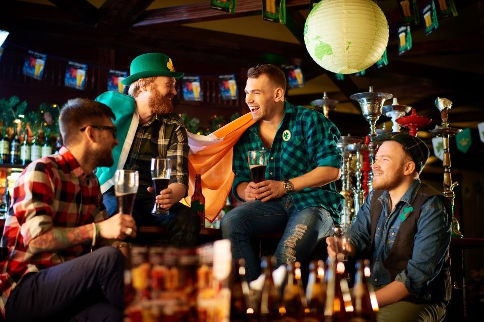 Interno di un pub, Irlanda, I pub, Le arti e la cultura, Dublino, Irlanda