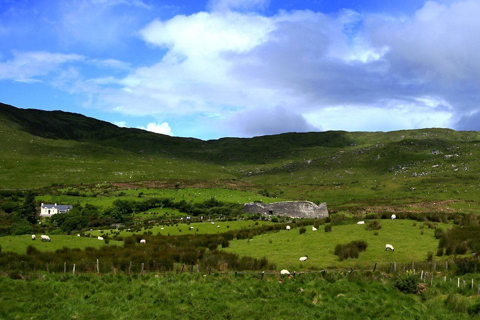 Staigue Fort , Panorama del Ring of Kerry , Irlanda