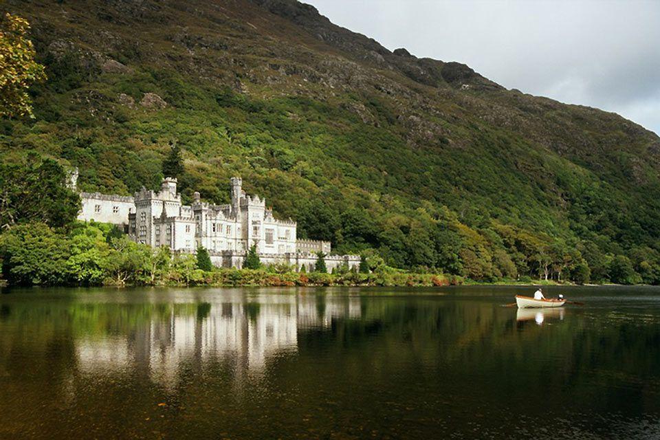 Kylemore Lake, Ireland, Kylemore Abbey, Monuments, Ireland