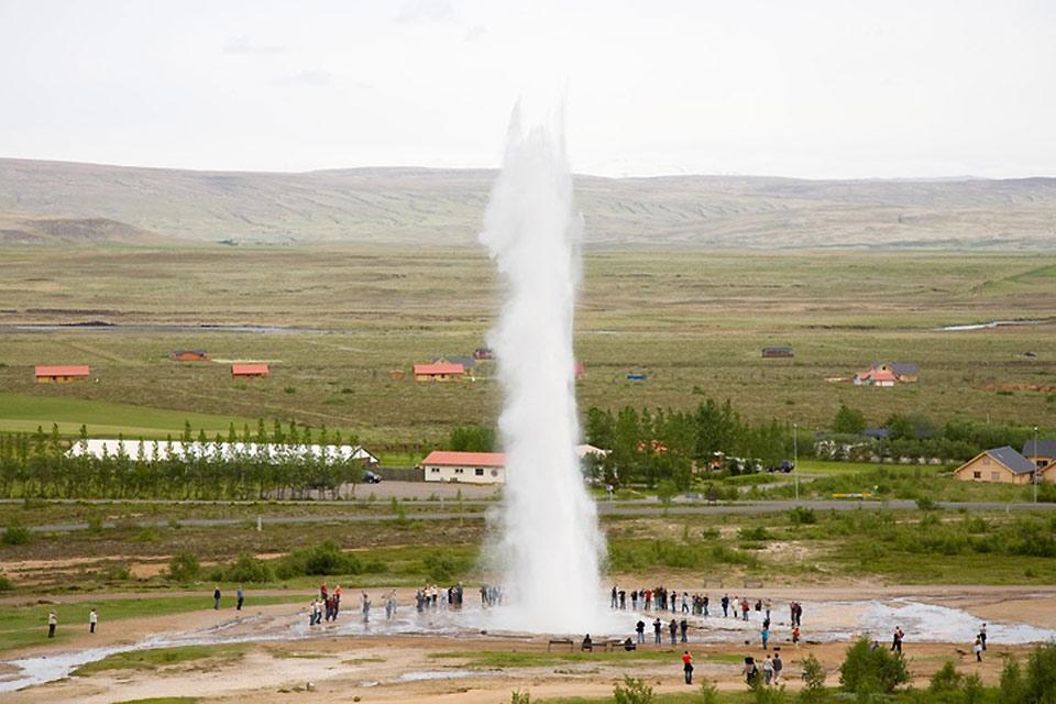 I Geyser di Geysir , Un geyser in azione , Islanda