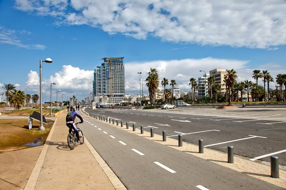 La côte méditerranéenne , Promenade en bord de mer , Israël