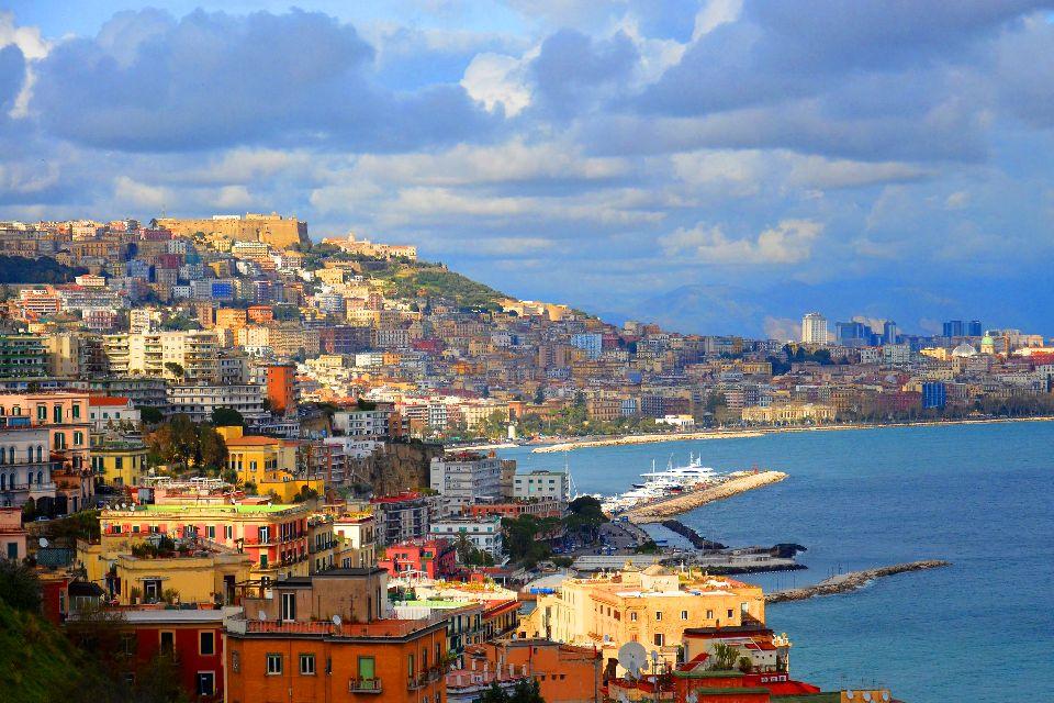 Il Golfo di Napoli , Italia