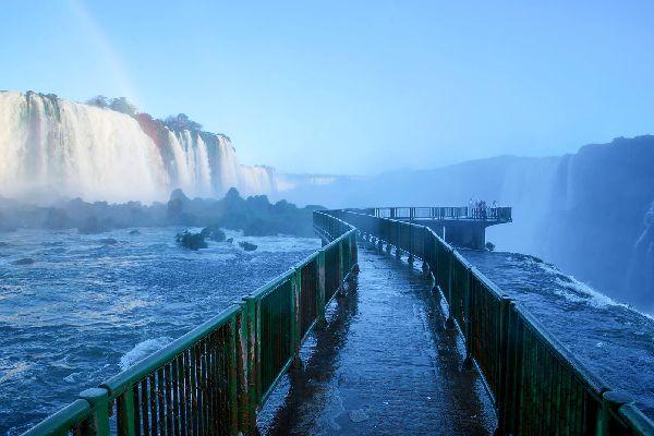 The Iguaçu Waterfalls , An impressive volume of water , Argentina