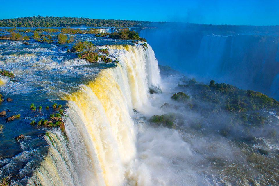 The Iguaçu Waterfalls , Waterfalls in Argentina , Argentina