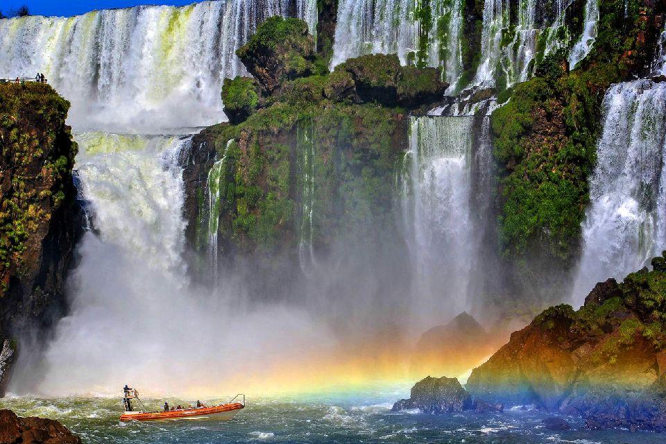 The Iguaçu Waterfalls , The Devil's Throat , Argentina