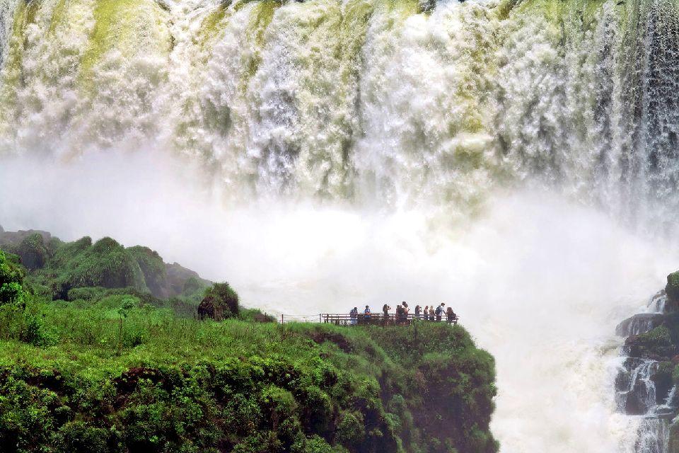 The Iguaçu Waterfalls , Argentina