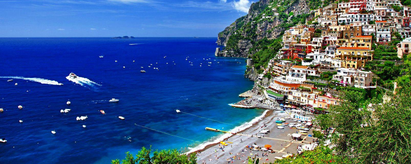 La côte amalfitaine , Italie