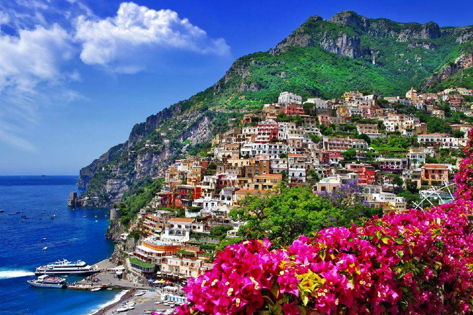 La côte amalfitaine , Positano , Italie