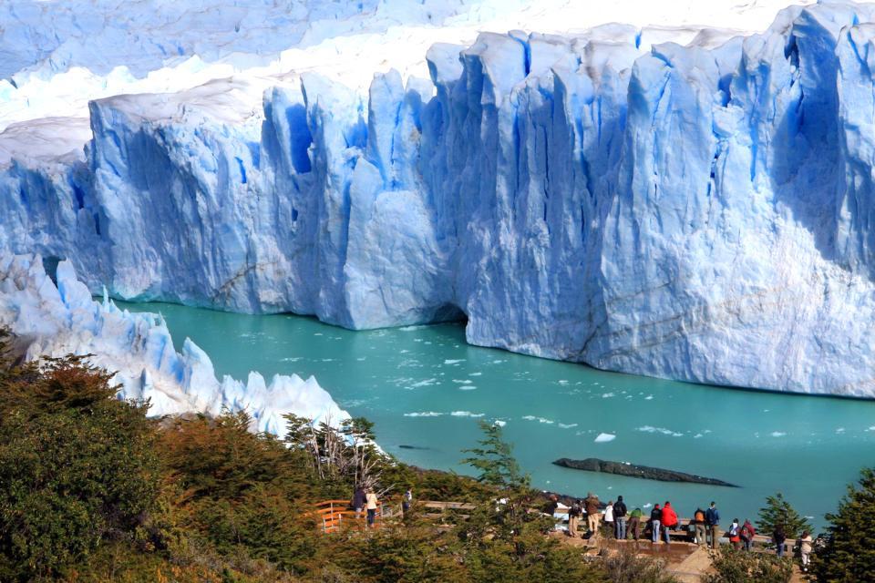 The Perito Moreno glacier , The freshwater of Perito Moreno , Argentina