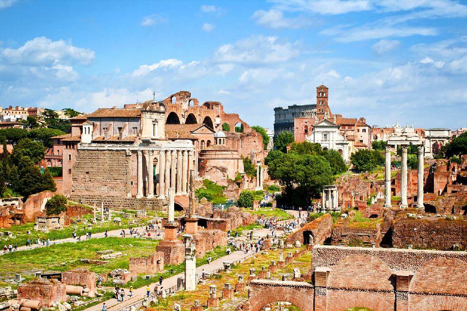 I fori romani , Roma , Foro di Traiano , Italia