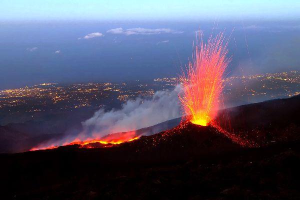 Der Ätna , Der höchste Vulkan Europas , Italien