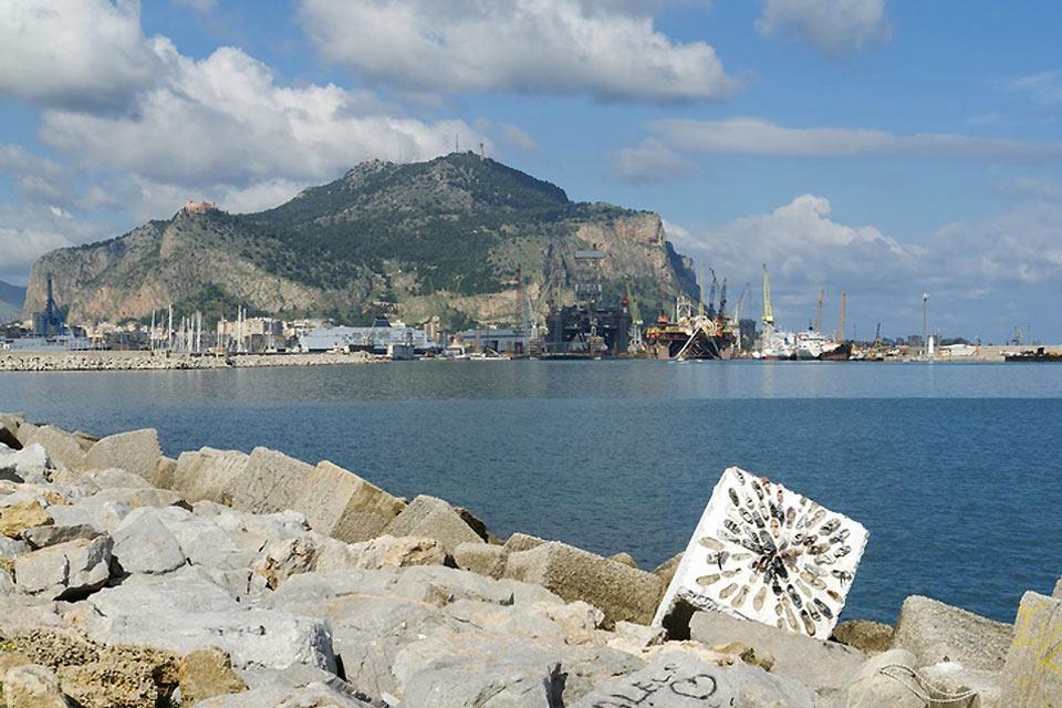 La costa settentrionale , Le isole minori , Italia