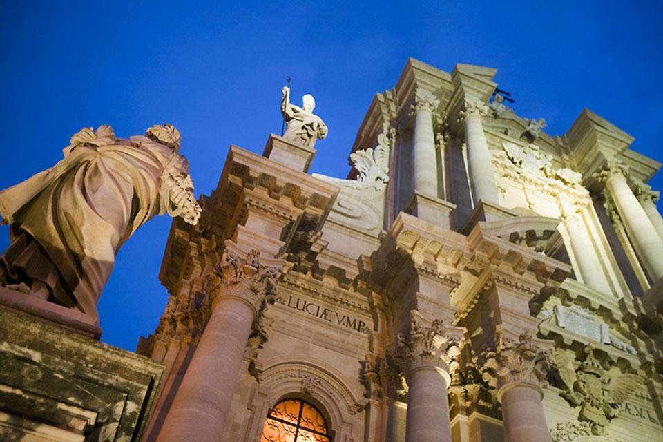 La côte est , La Cathédrale de Syracuse, Sicile , Italie