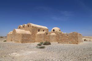 La entrada del antiguo castillo de Qusayr'Amr, Qusayr'Amra, Arte y cultura, Amán, Jordania