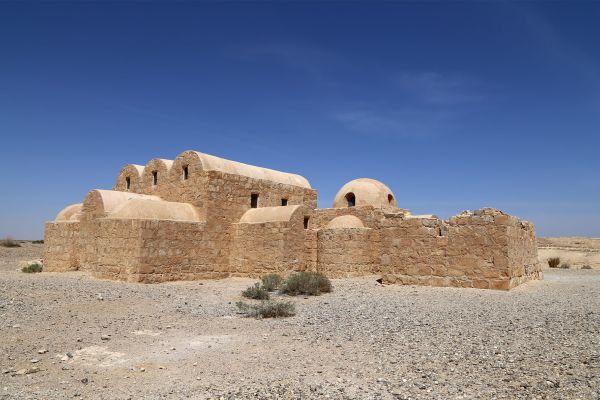 L'ingresso dell'antico castello Qusayr'Amra, Qusayr'Amra, Le arti e la cultura, Amman, Giordania