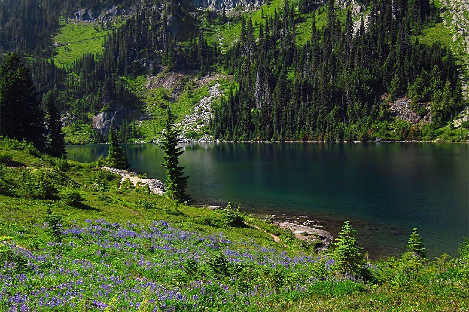 Le lac de Bolshoye Almatinskoye , Kazakhstan