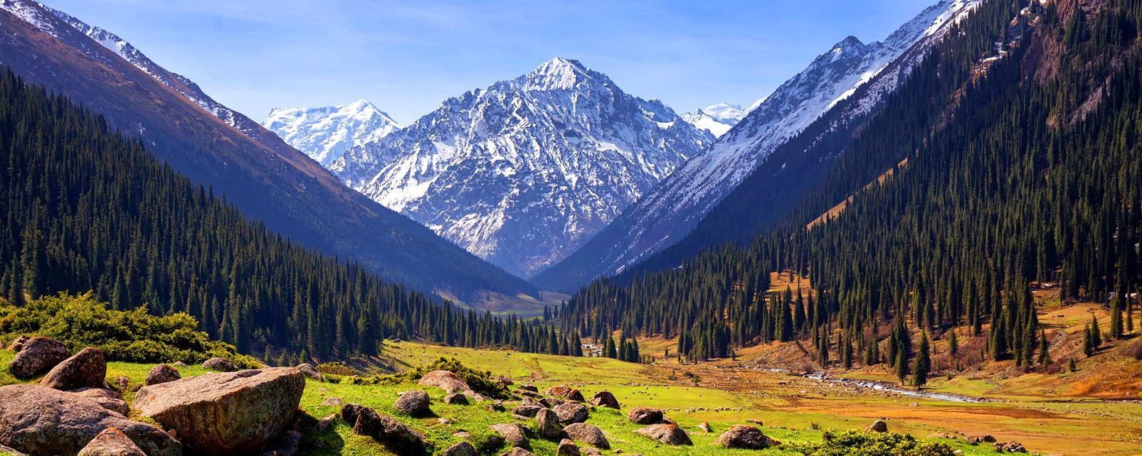 La vallée de Altyn Arashan , Kirghizstan