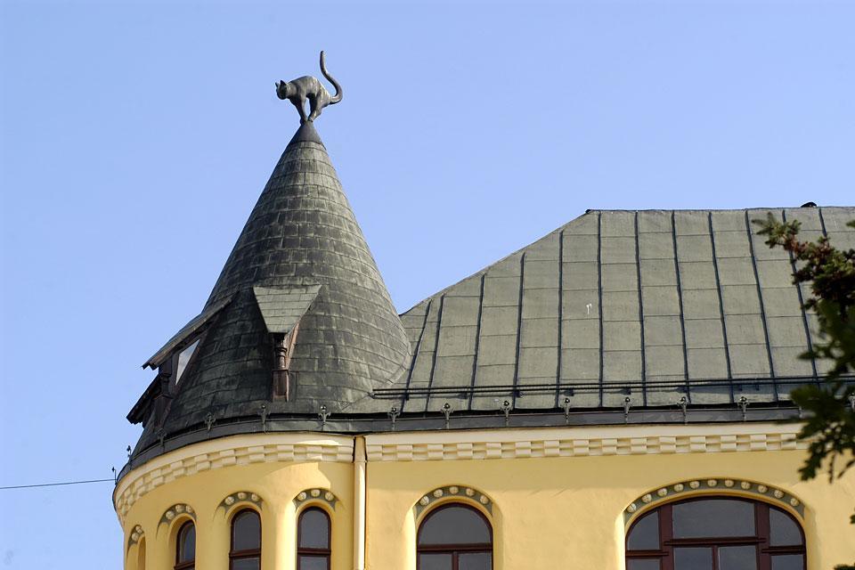 Le canzoni folcloristiche , Tetti a punta e colori pastello , Lettonia