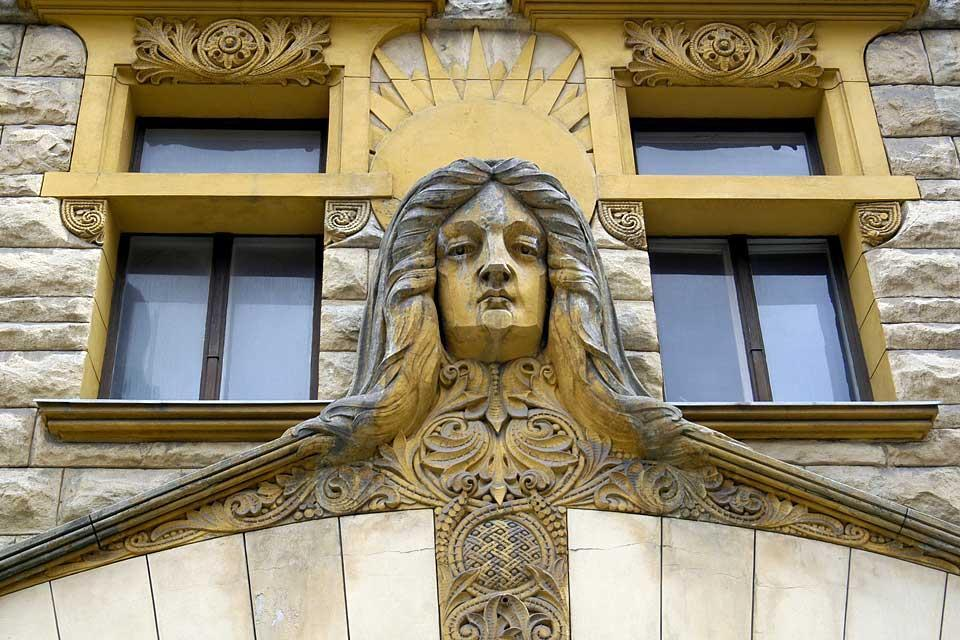 Le canzoni folcloristiche , Le architetture Liberty , Lettonia