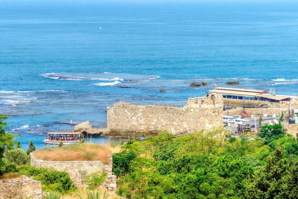 Seaside resorts , Lebanon