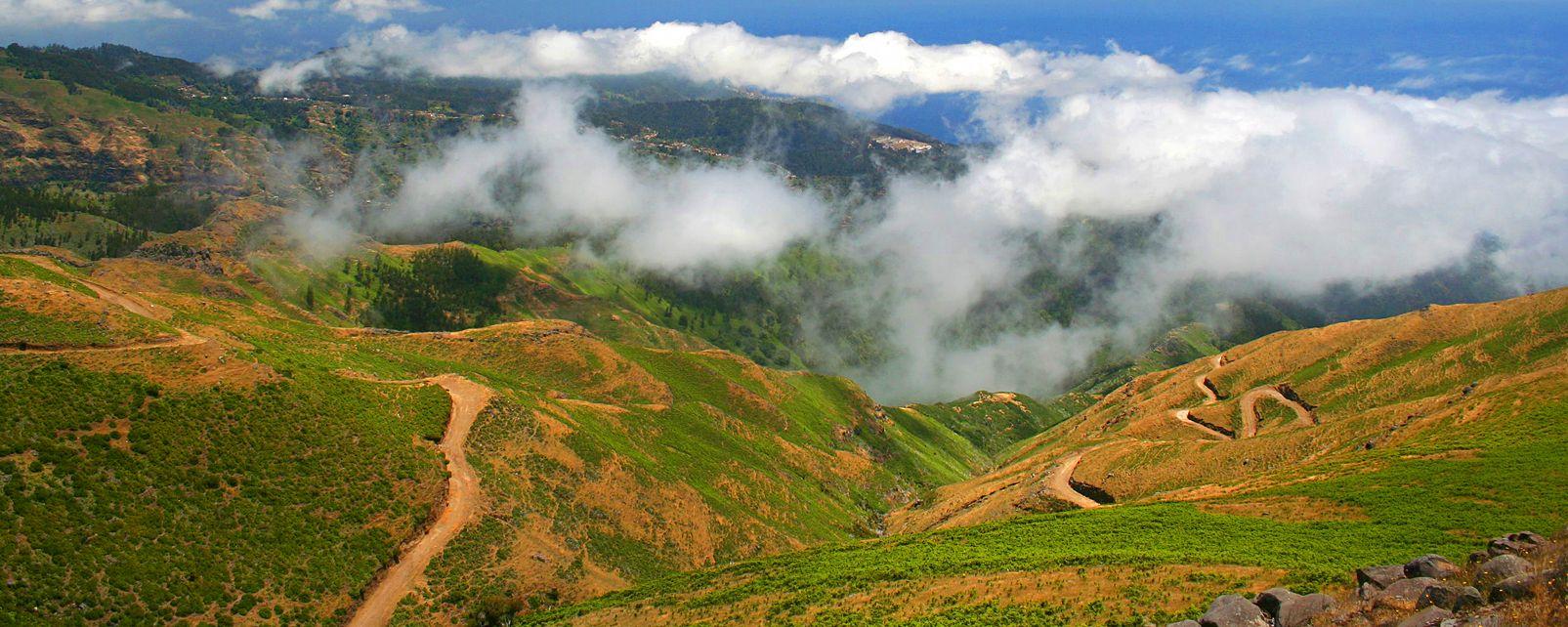 Das Plateau Paul da Serra , Hochebene im Nebel , Portugal