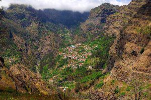 La Vallée des Nonnes , Le village de Curral das Feiras , Portugal