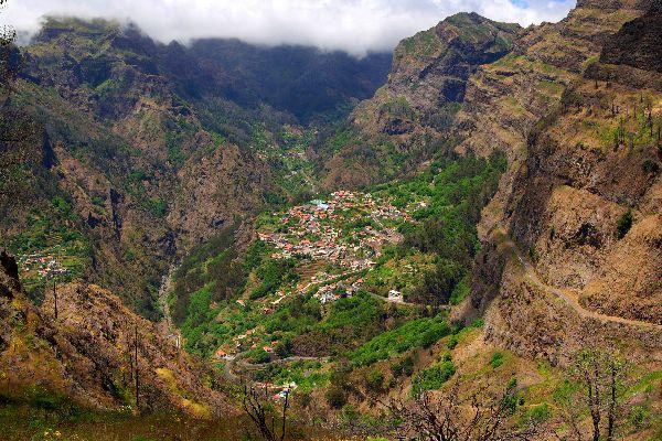 El Valle de las Monjas , El pueblo de Curral das Freiras , Portugal
