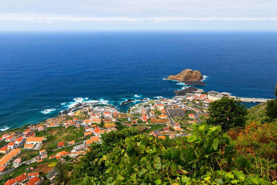 Le littoral nord , La ville de Porto Moniz , Portugal