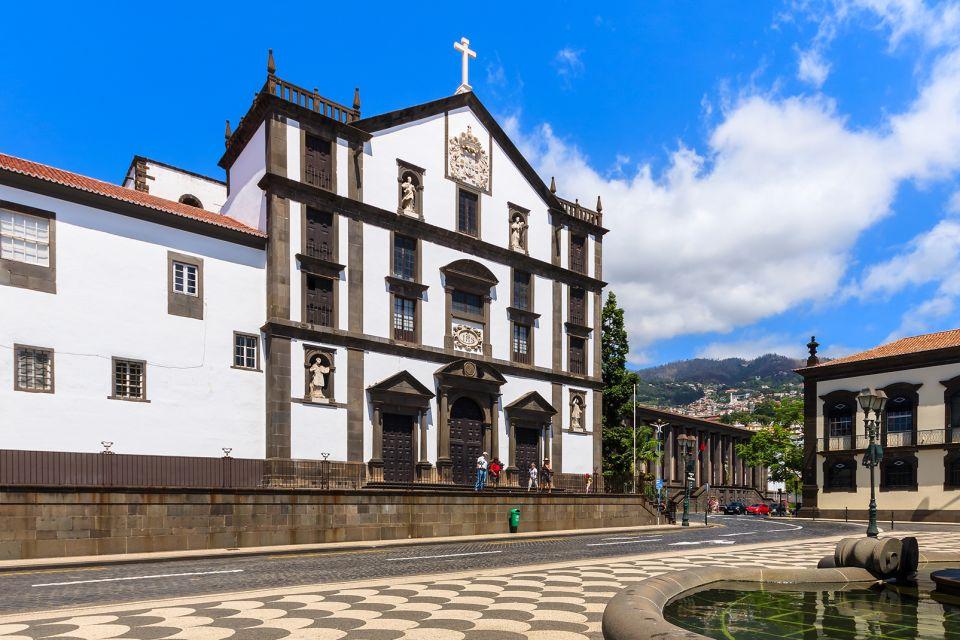 L'église du collège Jésuite de Funchal, Les styles manuélin et baroque, Les arts et la culture, Madère