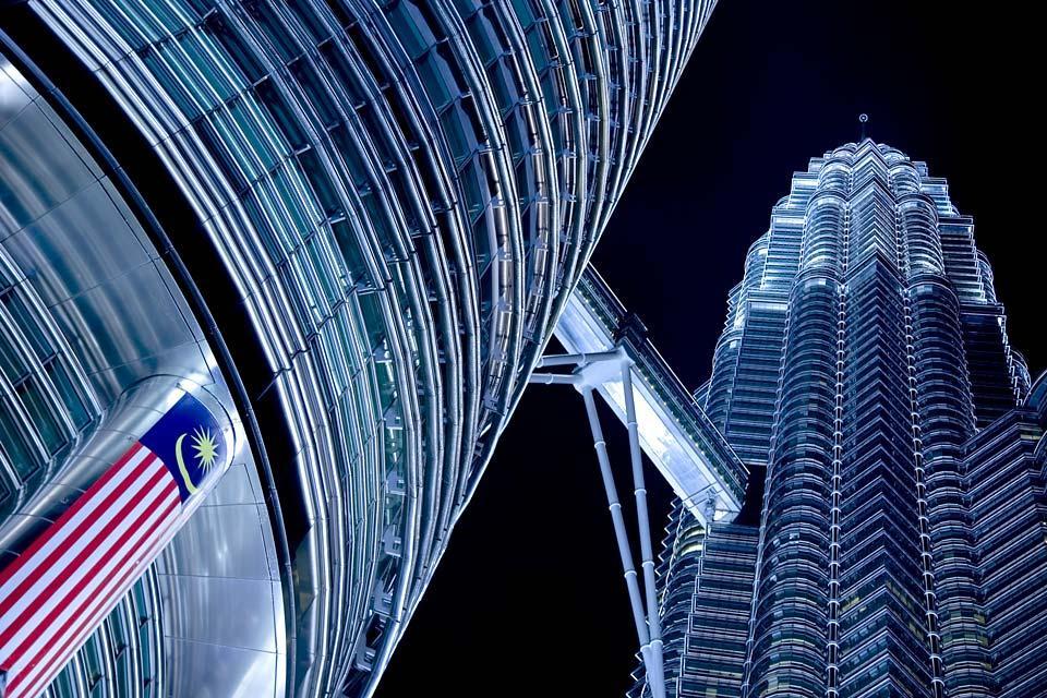 Les tours Petronas , L'acier des tours , Malaisie