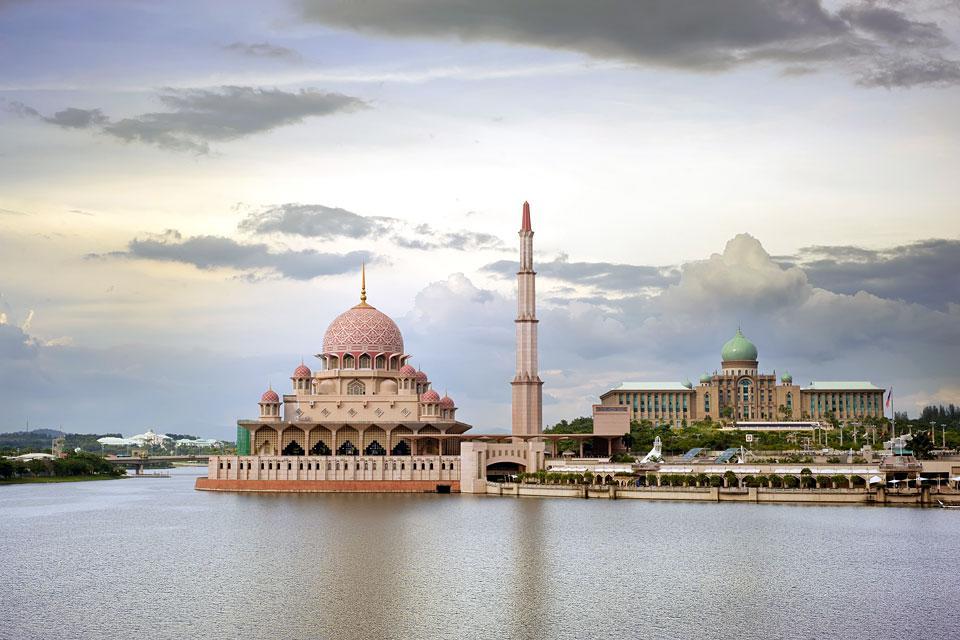 Perdana Putra , La construction du bâtiment , Malaisie