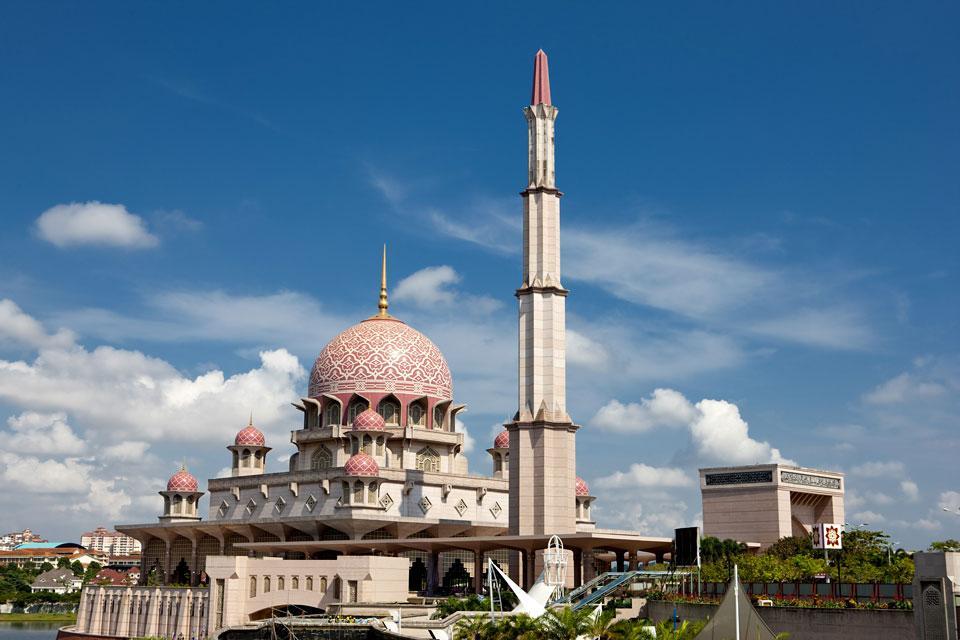 Putra Mosque , La situation de la mosquée , Malaisie