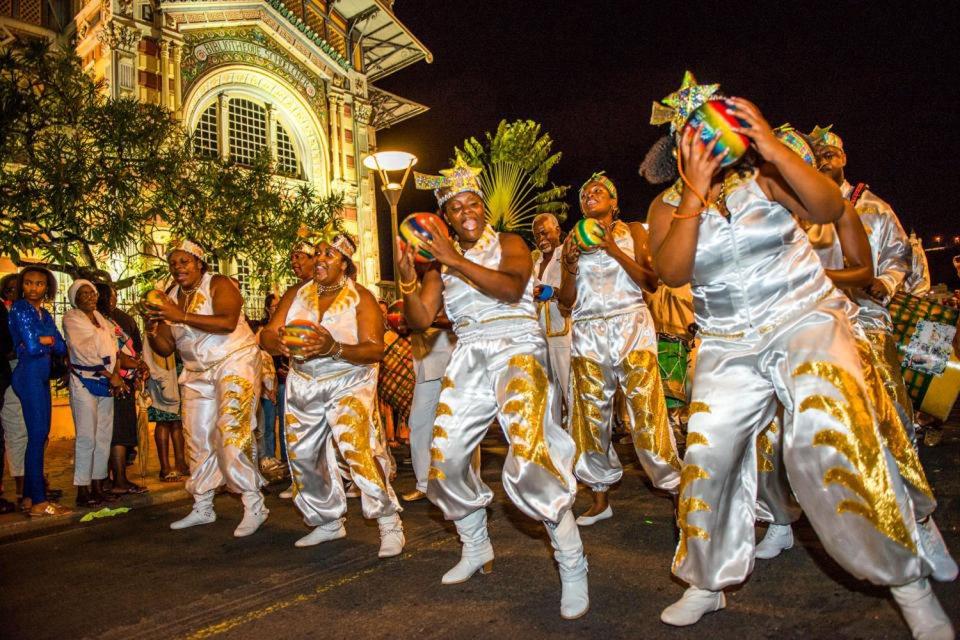 """Il Carnevale in Martinica, Le """"steel-bands"""", Le arti e la cultura, Martinica"""