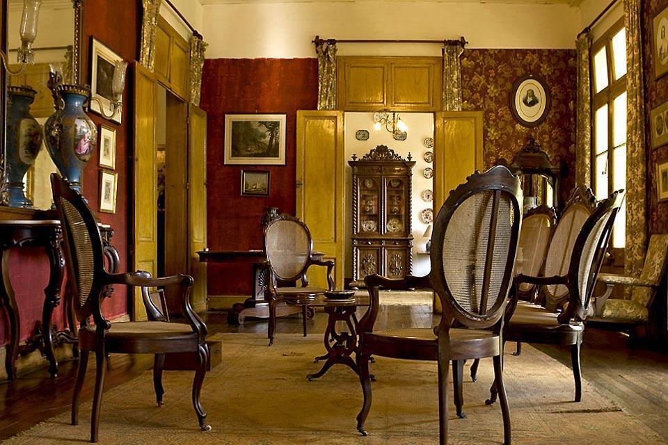 Les maisons coloniales ile maurice for Interieur maison coloniale